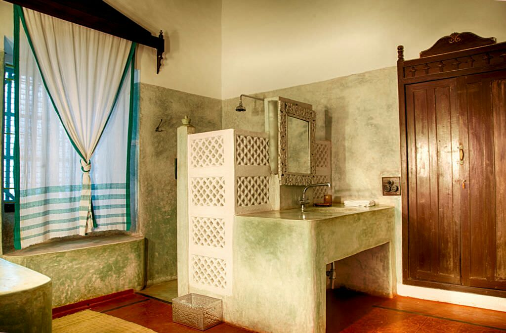 Luxury Villas in Goa, Villa Poo, Washroom