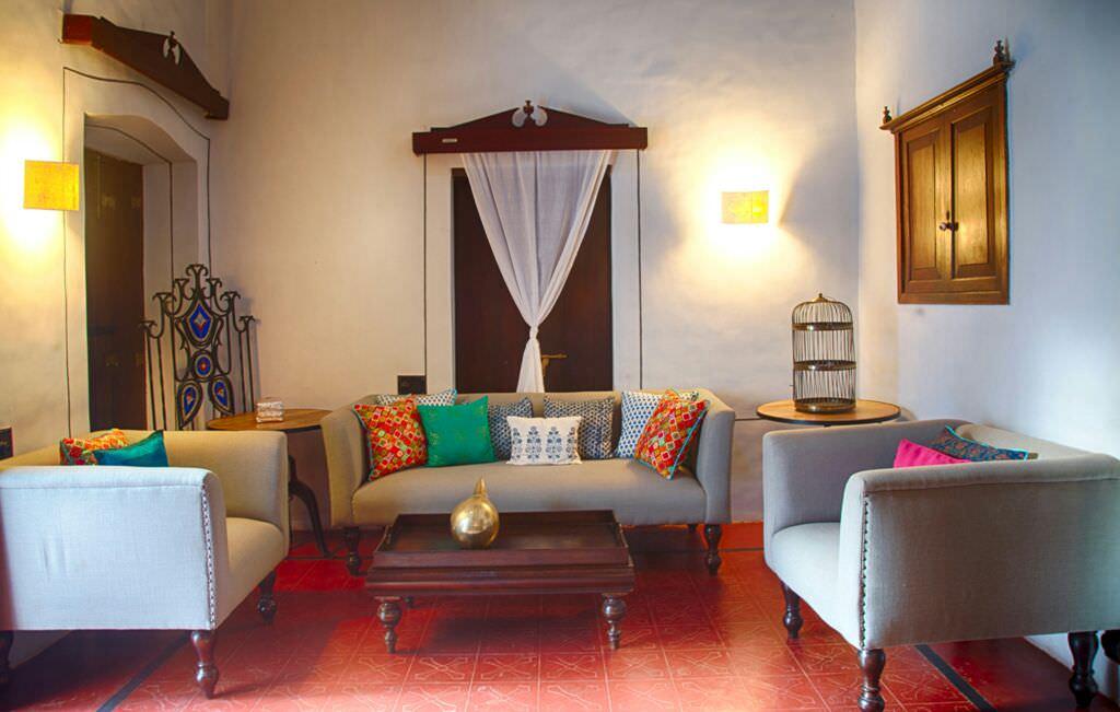 Luxury Villas in Goa, Villa Poo, Livung Room