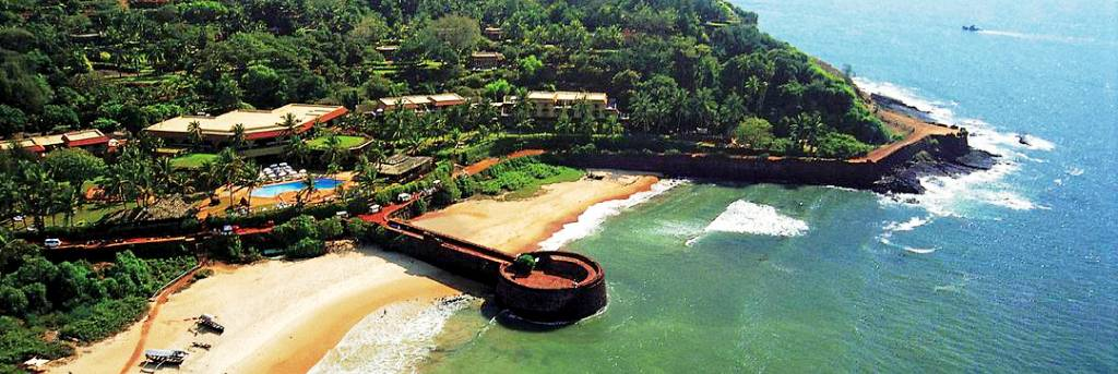 Candolim Beach – Beach Facing Villas